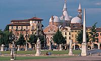 Basilicadisantantonioapadova657x400